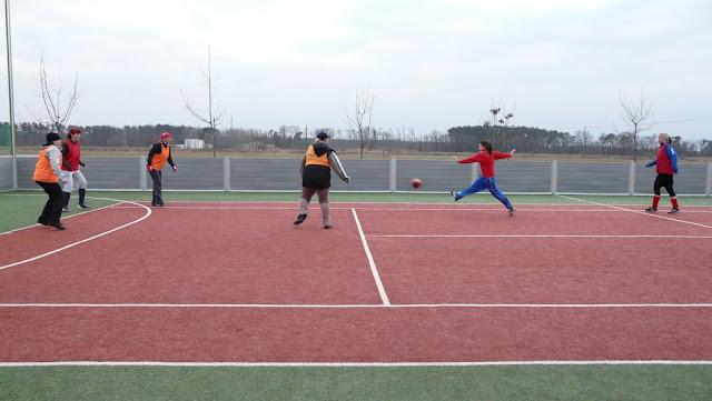 Priateľský futbalový zápas žien z JUHu a z Lábu - P1070327.JPG