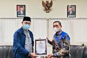 Dinilai Mampu Tingkatkan Kualitas dan Akuntabilitas PKP, Bupati Wajo Raih 2 Penghargaan