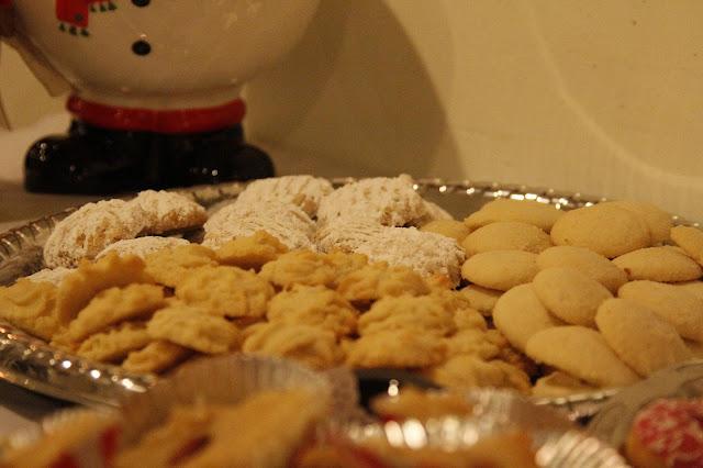 Servants Christmas Gift Exchange - _MG_0707.JPG