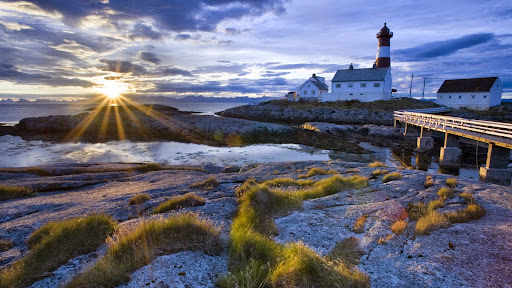 Tranoy Lighthouse, Hamaroy, Norway.jpg