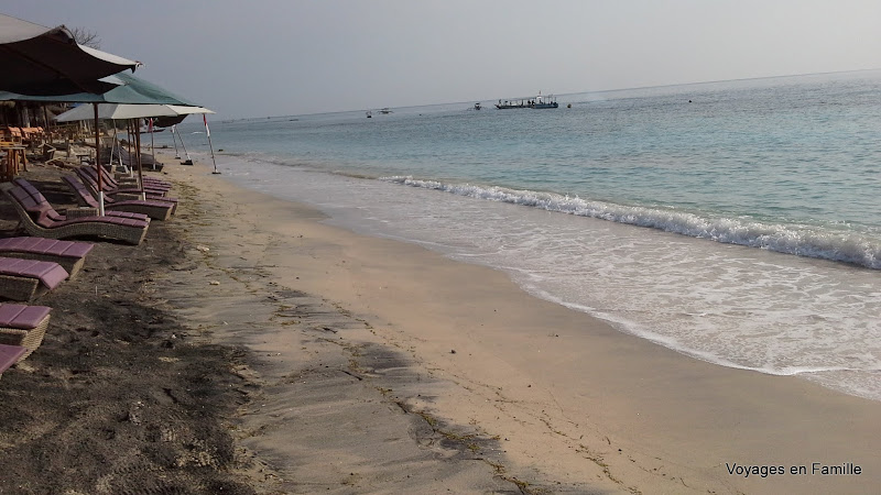 Beach at Zipp Bar