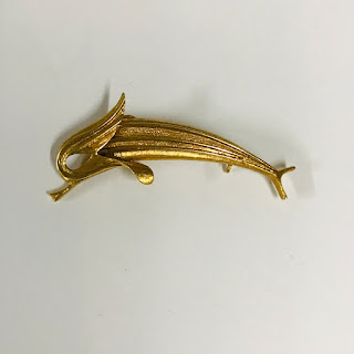 18K Gold Modernist Fish Brooch