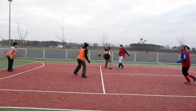 Priateľský futbalový zápas žien z JUHu a z Lábu - P1070330.JPG