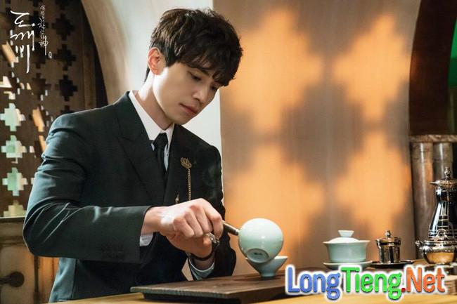 """Đây là điều mà Lee Dong Wook và Yoo In Na tiếc nuối nhất khi đóng """"Goblin"""" - Ảnh 7."""