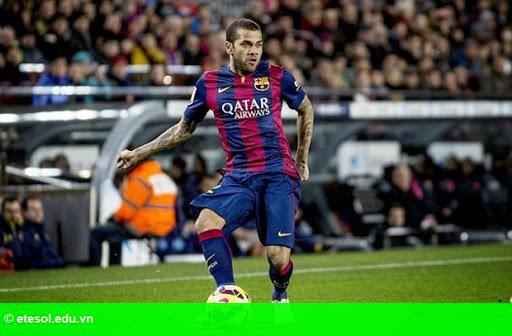Hình 1: Từ chối gia hạn, Dani Alves chắc chắn rời Barca