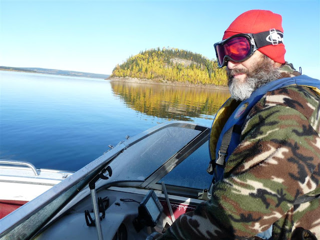 A beautiful, calm morning on the Manicouagan as Raynald took me back across the Manic to the landing.