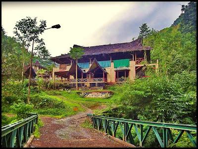 Berwisata Ke Saung Cibingbin