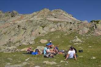 Photo: trošku oddychu na malebnej lúke pod vrcholom