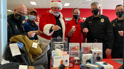Holly Springs police thwart real-life Grinch during Shop-With-A-Cop