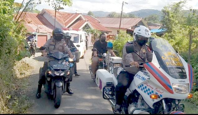 Satlantas Polres Soppeng Kawal Jenazah Warga hingga ke Pemakaman Wujudkan Kamseltibcar Lantas