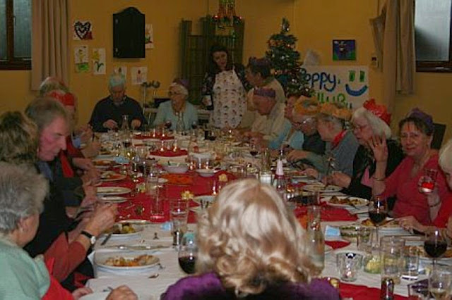 Pensioners Lunch - 11-12-2011 - penlunch%2B%25286%2529.jpg