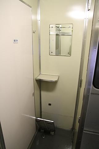 JR寝台特急「日本海」 4001レ B寝台 更衣室