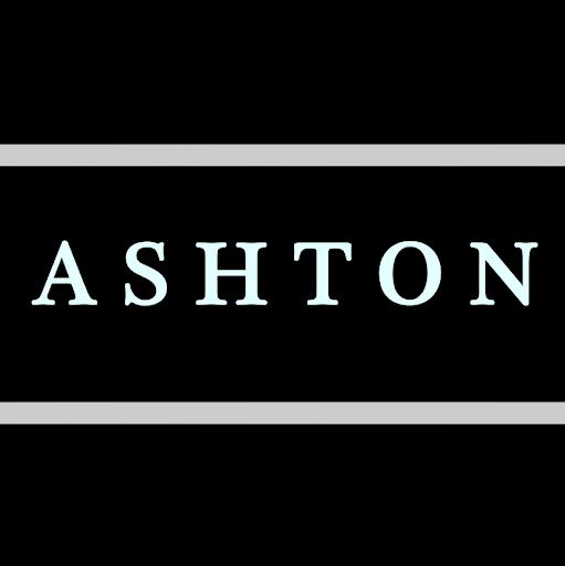 Ashton Young Photo 9