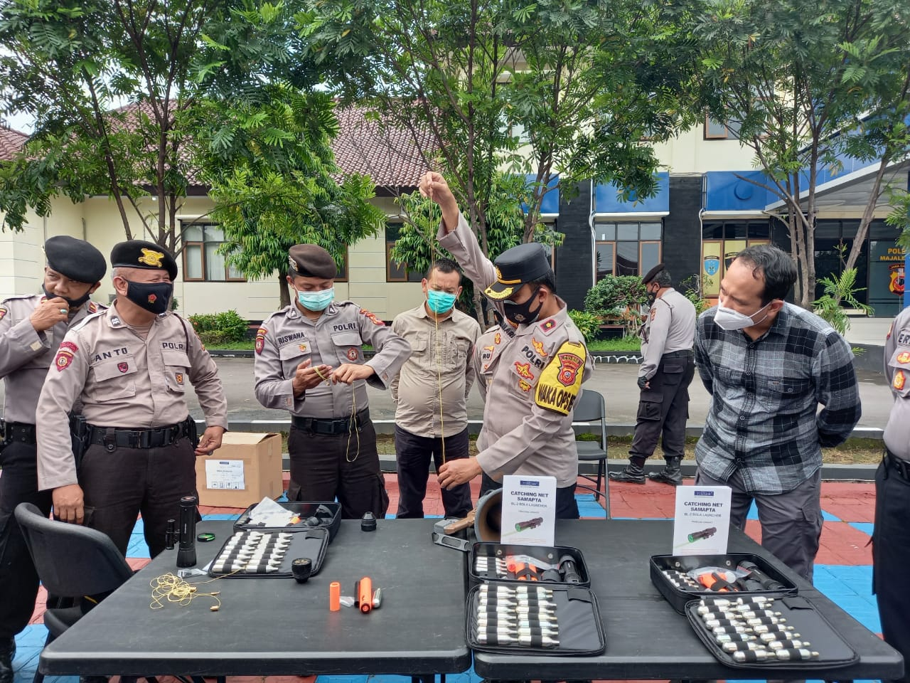 Sat Sabhara Polres Majalengka Pengenalan Senjata Catching Net Samapta Bola Launcher BL-2