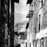 Via Settimio Costantini, sullo sfondo la Cona di San Sebastiano