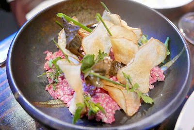 Muselet Beef tartare remoulade, dulse, vinegar chip
