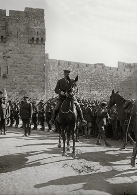 Allenby exit, on horseback at Jaffa Gate, mat00169