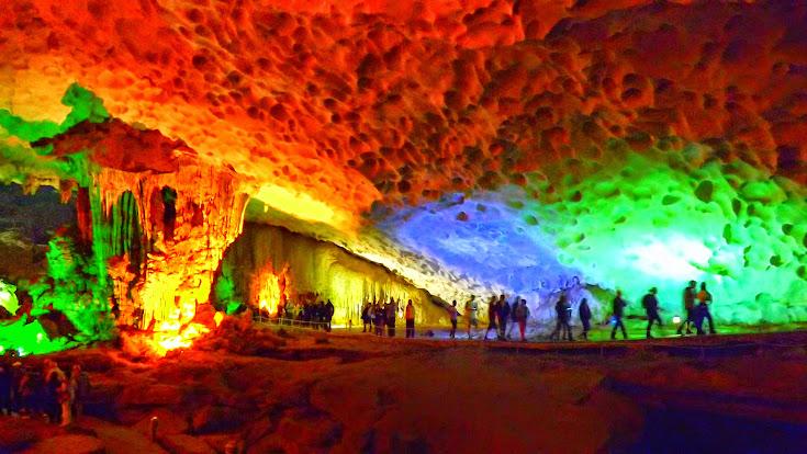 【下龍灣】驚訝洞Surprise Cave.鐘乳石美景 / 越南-下龍灣之旅.Day2 @ 旅遊休閒樂活趣 :: 痞客邦