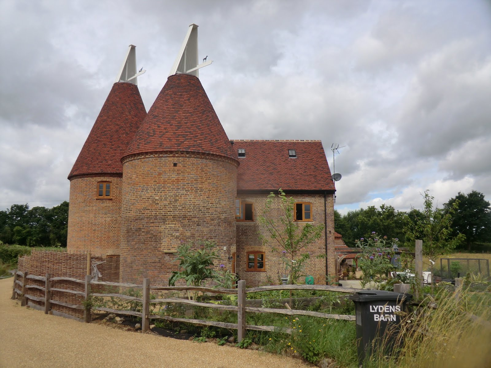 CIMG5773 Restored oast house at Lydens Barn