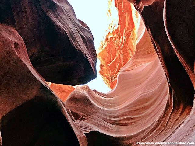 lower-antelope-canyon.JPG