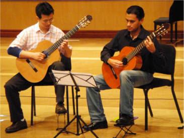 20091017 OCGC Showcase Recital Moonlight Duet Palcowanie na gitarze