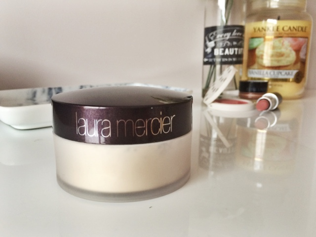 Laura Mercier Translucent Powder Review, Zoe's Beauty Blog
