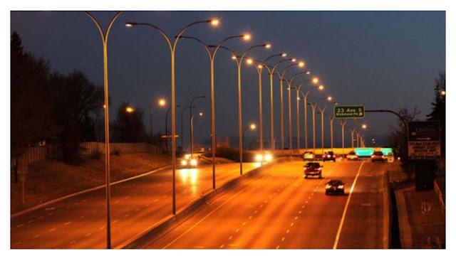 Përse Dritat që Ndriçojnë Rrugën Kanë Ngjyrë Portokalli?