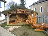 Betlehem Borsiban, faragott szobrokkal.jpg
