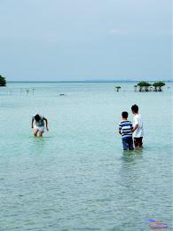 family trip pulau pari 140716 Fuji 011