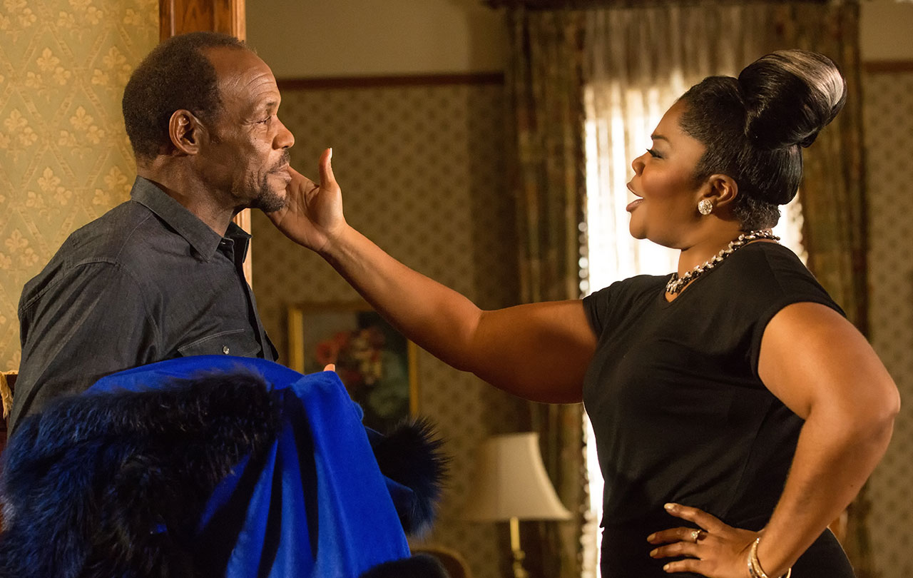 Danny Glover and Mo'Nique in ALMOST CHRISTMAS. (Photo by Quantrell D. Colbert / courtesy of Universal Pictures).