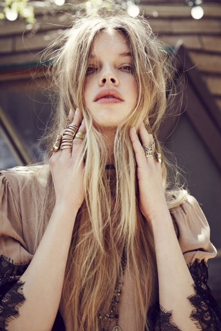 #hair #hairinspiration #longhair #messyhair #cabelo #jewel #boho