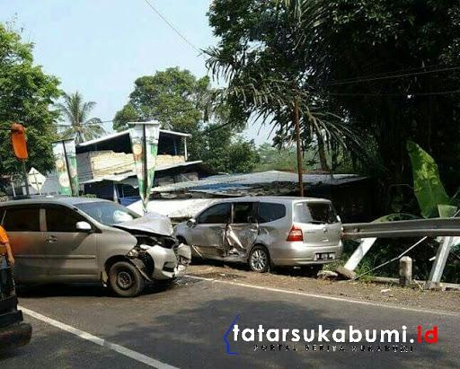 Dua Mini Bus Terlibat Adu Banteng Diruas Jalan Sukabumi - Bogor