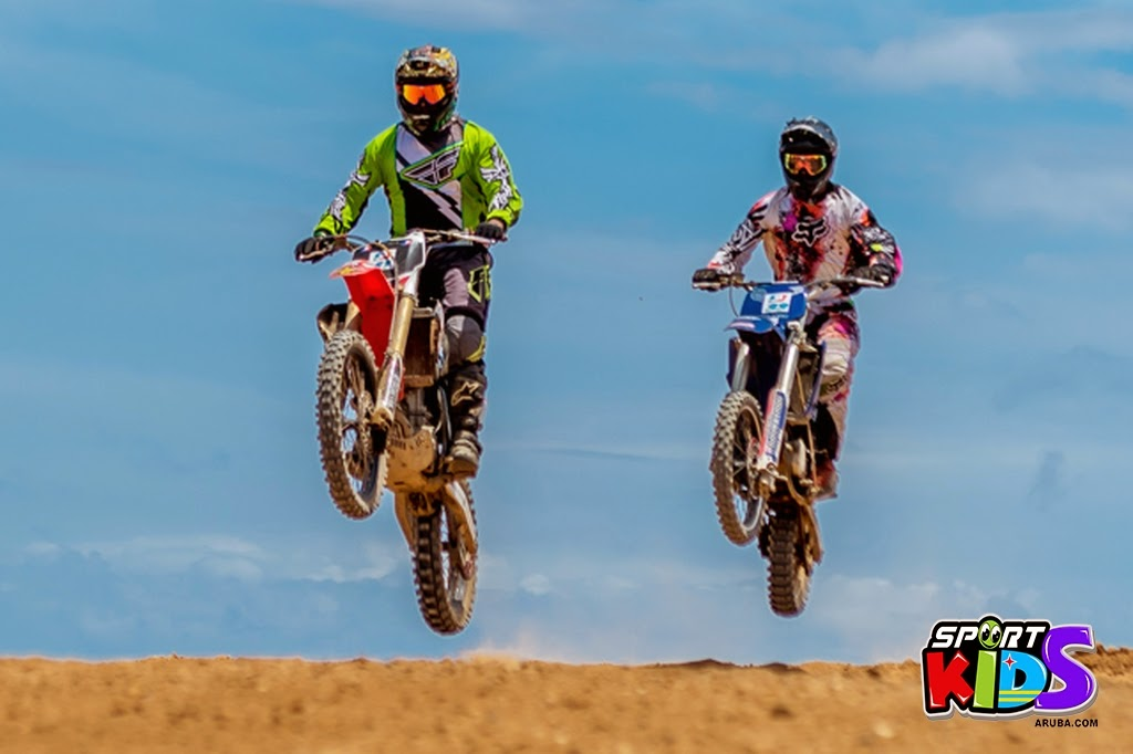 extreme motorcross Aruba - moto%2Bcross%2BGrape%2Bfiled%2BApril%2B2015-33.jpg