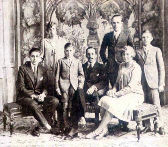 En mayo de 1927, el matrimonio[5]