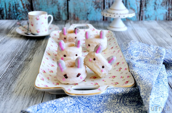 How to Make Mini Bunny Vanilla Bean Doughnuts 小兔子雲呢拿甜甜圈  http://uTry.it