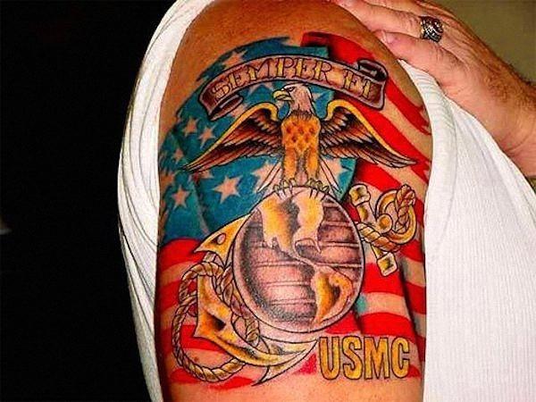 grande_globo_e_ncora_com_a_bandeira_americana_ao_fundo
