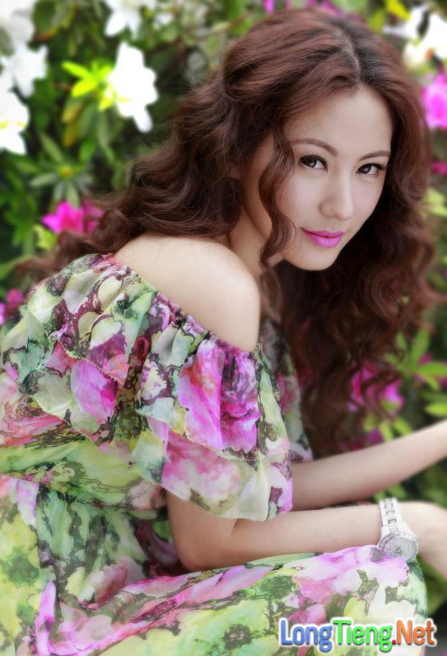 """Nữ chính của hai bom tấn TVB """"Thâm Cung Kế"""" và """"Phi Hổ Cực Chiến"""" là ai? - Ảnh 3."""