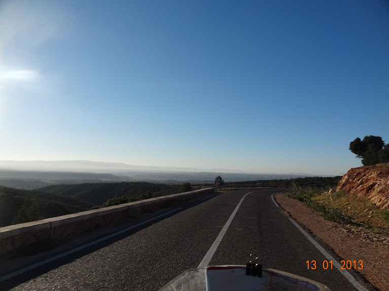 Marrocos e Mauritãnia a Queimar Pneu e Gasolina - Página 3 DSC05588