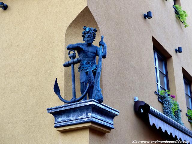 escultura-klaipeda.JPG