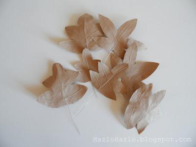 Cómo hacer hojas de papel para decorar en otoño.