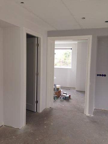 De bouw van ons nieuwe huis week 39 licht grijze muren open haard en nutsvoorzieningen - Donkergrijze verf ...