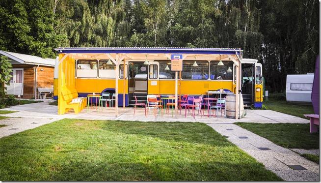 lucky-lake-hostel -amsterdam-onibus-restaurante