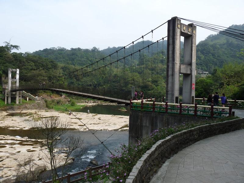 TAIWAN .SHIH FEN, 1 disons 1.30 h de Taipei en train - P1160007.JPG