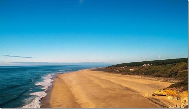 Praia-Norte-Nazare-Portugal
