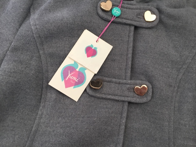 yumi-girl-grey-coat-button-detail
