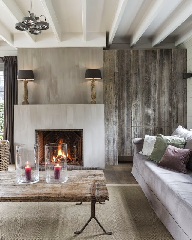 Weathered wood, Belgian linen and pure accessories