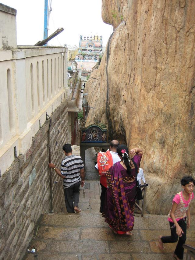 Sri Thayumanavar Temple, Thiruchiramalai (Malai kottai), Trichy - 275 Shiva Temples