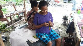 Contoh Perpaduan Warna Tas Anyaman