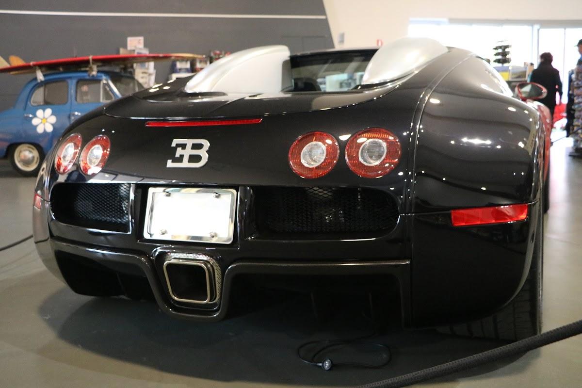Jaguar_National_Rally_2018-04-14_0012 - Bugatti-Veyron.JPG