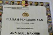 Ketua IWO Soppeng Andi Mull Makmun Raih Penghargaan Dari Polda Banten